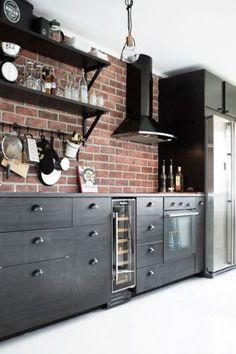 Кухонные фартуки для самой привередливой хозяйки (19 фото)