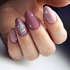 50 gorgeous festive christmas nails ideas page 21 New Year's Nails, Love Nails, Pretty Nails, Hair And Nails, Xmas Nail Designs, Nail Art Designs, Nail Art Noel, Christmas Gel Nails, Round Nails
