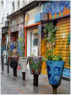 The incredible Dénoyez street: a street art spot in Belleville, Paris