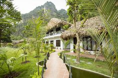 Půdorysy Fields, Vietnam, Cabin, Nice, House Styles, Beautiful, Home Decor, Decoration Home, Room Decor