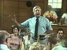 1982 Holly Springs Sacred Harp Convention: Hugh McGraw leading Plenary (#162) - YouTube