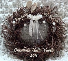 Grapevine Wreath, Grape Vines, Christmas Wreaths, Holiday Decor, Home Decor, Christmas Swags, Room Decor, Home Interior Design, Decoration Home