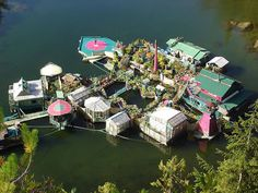 Couple Spent 20 Years Building A Self-Sustaining Island To Live Off-Grid - DesignTAXI.com