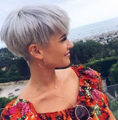 Madeleine Short Hairstyles - 1 http://eroticwadewisdom.tumblr.com/post/157383594317/hairstyle-ideas-im-in-love-with-this-hair-color