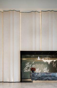 ENJOYDESIGN丨云南万科·500里:归心东方,写意自然 Lobby Interior, Interior Walls, Interior Design, Modern Interior, Design Design, House Design, Hotel Lobby Design, Resort Interior, Feature Wall Design
