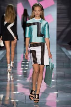 Never simple but always VERSACE! Presenting the Spring/Summer 2015 collection at the Fashion Week in Milan
