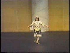 ▶ Les Danses du Roi - Entree d'Apollon de Lully - YouTube