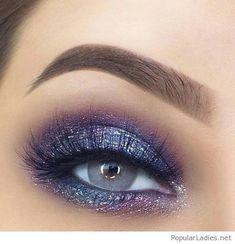 Over 100 stunning eye makeup ideas - make up - # stunning . - Over 100 stunning eye makeup ideas - Blue Eye Makeup, Eye Makeup Tips, Makeup Goals, Eyeshadow Makeup, Makeup Ideas, Makeup Tutorials, Glitter Eyeshadow, Grey Makeup, Blue Eye Shadow