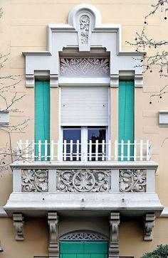 Barcelona - Av. Tibidabo 022 b, via Flickr.