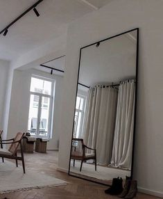 Modern room and interior design. Clean lines and muted soft .- Modern room and interior design. Clean lines and muted soft colors Modern room and interior design. Clean lines and muted soft colors - Living Room Decor, Living Spaces, Bedroom Decor, Bedroom Furniture, Bedroom Ideas, Living Rooms, Small Living, Design Bedroom, Furniture Ideas