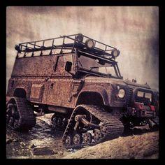 land-rover-defender-on-trax-rock-crawlers-diesels-off-roading