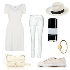 All White, all good! Wir präsentieren schöne, nachhaltige Sommerlooks zum Shoppen.