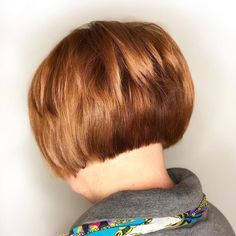 17 Cute & Easy Short Layered Bob Haircuts for 2020 17 Short Layered Bob Haircuts Trending in 2020 Short Layered Bob Haircuts, Bob Haircuts For Women, Short Hairstyles For Thick Hair, Short Hair With Bangs, Modern Haircuts, Hairstyles With Bangs, Short Hair Cuts, Short Hair Styles, Crazy Hairstyles