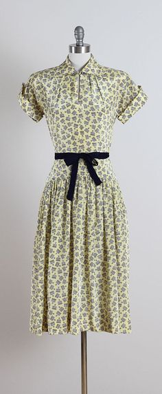 Royal Embrace . vintage 1940s dress . vintage by millstreetvintage