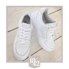 Classic white is always right  Available online and in stores!  credits  to @difabydianaenbo  #est1842 #est1842 #sneakers #white #summer #shoesoftheday #whiteisthenewblack #whitesneakers #platform #musthave #newshoes #style #shoes