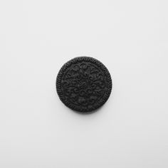 Cookie. | surlemisanthrope | VSCO Grid Vsco Grid, Cookies, Black And White, Life, Food, Crack Crackers, Black N White, Biscuits, Black White