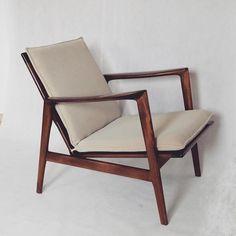 Fotel Stefan. Klasyczny i ponadczasowy  #fotel #montowniamebli #meble #dom #salon #wystrojwnetrz #home #style #design #furniture #mebleprl #prl