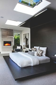 Here we showcase a a collection of perfectly minimal interior design photos for you to use for inspiration.Check out the previous post in the series: Inspiring Examples Of Minimal Interior Design 4 Modern Master Bedroom, Modern Bedroom Design, Master Bedroom Design, Minimalist Bedroom, Modern House Design, Home Decor Bedroom, Home Interior Design, Bedroom Ideas, Bedroom Designs
