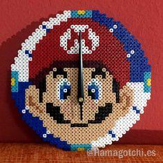 Reloj Mario Pixelart realizado con Hama Beads