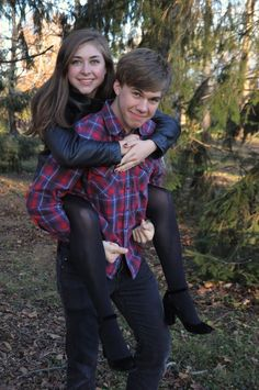 Brother Sister Poses, Brother Sister Pictures, Brother Sister Photography, Sister Photos, Sibling Photography Poses, Headshot Photography, Photo Poses, Photo Shoot, Sibling Beach Pictures