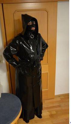 Almost perfect Rain Protection Latex Wear, Latex Hood, Latex Lady, Rubber Raincoats, Pvc Raincoat, Heavy Rubber, Rain Gear, Latex Fashion, Leather Gloves