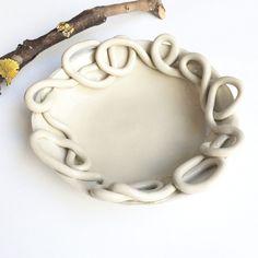 Ceramic Wall Art, Ceramic Decor, Ceramic Pottery, Ceramic Tableware, Ceramic Bowls, Beginner Pottery, Pottery Techniques, Paperclay, Pottery Designs
