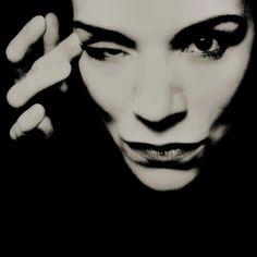 Dark Portrait Photography by Annett Turki