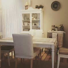 Decorating Small Spaces, Shabby, Dining Table, Furniture, Home Decor, Homemade Home Decor, Dinning Table Set, Home Furnishings, Interior Design