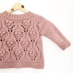Baby Knitting Patterns Ravelry – Olive's Chunky Lace – This babe's in town! Pattern available in Danish and Eng… Baby Knitting Patterns, Sewing Patterns For Kids, Crochet Stitches Patterns, Knitting For Kids, Lace Knitting, Knitting Stitches, Knitting Sweaters, Knit Lace, Knitting Videos