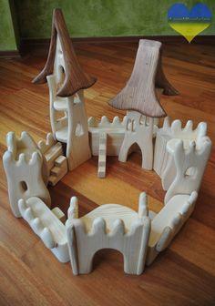 Diy Waldorf Toys, Waldorf Montessori, Montessori Toys, Wooden Toy Castle, Crayon Roll, Crayon Holder, Toy House, Wooden Animals, Wooden Puzzles