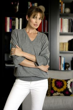 Nieves Alvarez Top Models, Vivienne Westwood, Giorgio Armani, Christian Dior, What To Wear Today, How To Wear, White Pants Outfit, Spanish Actress, Casual Outfits