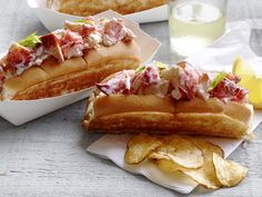 Lobster Rolls Recipe : Food Network Kitchen : Food Network - These classic lobster rolls are sure to be a hit on any summer party menu. Seafood Dishes, Fish And Seafood, Seafood Recipes, Lobster Roll Recipes, Lobster Rolls, Lobster Party, Fried Lobster, Lobster Shack, Appetizers