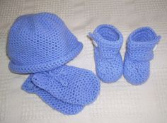 Baby boy blue set of hat booties and mittens by Dulcescositas, $21.00