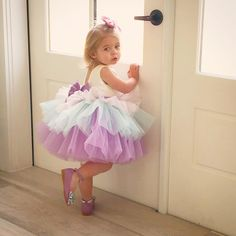 Such a fun photoshoot this weekend for Itty Bitty Toes ❤️ Baby Girl Party Dresses, Wedding Dresses For Girls, Birthday Dresses, Little Girl Dresses, Baby Dress, Girls Dresses, Flower Girl Dresses, Fashion Niños, Baby Girl Fashion