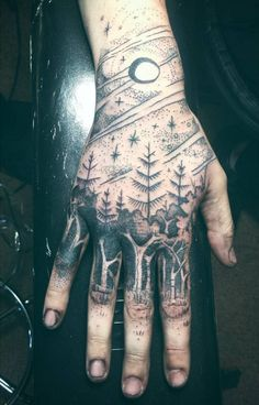 Inspirational images of tattoos, with everything from skulls and dragons to meaningful quotes. Tattoos help to tell the world who we are. Browse, enjoy and share the tattoos of others, or upload your own. Wand Tattoo, I Tattoo, Chess Tattoo, Tattoo Hand, Body Art Tattoos, Cool Tattoos, Tatoos, Crazy Tattoos, Flash Tattoos