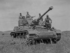 Late model Pz IV Special of the Afrika Korps in Tunisia, 1943.