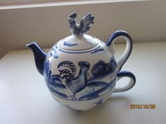 Blue-and-White-Tea-for-one-tepot-Rooster-2pc-6-50-H