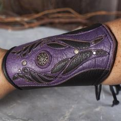 Tyton Leather Bracer
