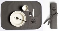Kay Bojesen's Grand Prix in cool canvas. Child set 3 pieces: spoon fork, child knife, and child spoon. Wrapped in a canvas placemat. Design Shop, I Cool, Cool Stuff, Shops, Danish Design, Placemat, Kitchen Interior, Helpful Tips, Flatware