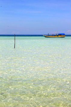 Island hopping around the Karimunjawa Islands #indonesia