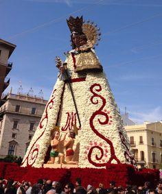 Manto de la Virgen Fallas Valencia 2014