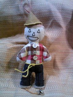 Just Something I Made: For a swap: Wizard of Oz Scarecrow Dotee