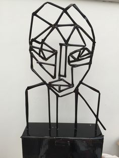NAUM Gabo - inspired 'Head' made from drinking straws