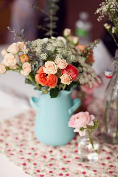 peach-pink-blue-wedding-centerpiece-ideas
