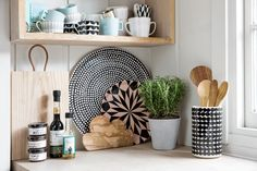 Amara Luxury Gifts and Homeware Scandi style kitchen Kitchen Colors, Kitchen Design, Mexican Style Kitchens, Interior Inspiration, Kitchen Inspiration, Kitchen Ideas, Scandi Style, Kitchen Essentials, Kitchen Styling