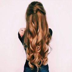 Pretty Half up half down curl hairstyles - partial updo wedding hairstyle #weddinghair #hairstyles #bridalhair #weddinghairstyle #halfuphalfdown #hairstyleideas #partialupdo #promhair #promhairstyleideas #hairstyleinspiraiton #halfup