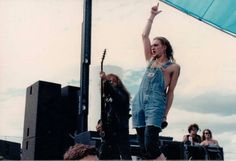 A blog dedicated to Layne Staley and his work with Alice In Chains and Mad Season.