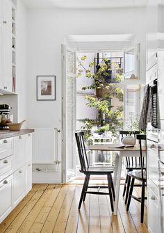 Двухрядная планировка кухни площадью 11,3 кв. метра