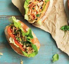 Chilli tuna, hummus and lemon rolls Healthy Chilli, Healthy Tuna Recipes, Healthy Hummus Recipe, Chilli Recipes, Healthy Eating, Healthy Food, Lemon Roll Recipe, Mediterranean Recipes, Vegetarian