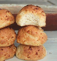 LCHF kesobullar! New Recipes, Low Carb Recipes, Snack Recipes, Recipies, Breakfast Snacks, Low Carb Bread, Granola, I Foods, Food Porn